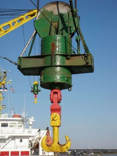 NMF deck cranes removal and reinstallation