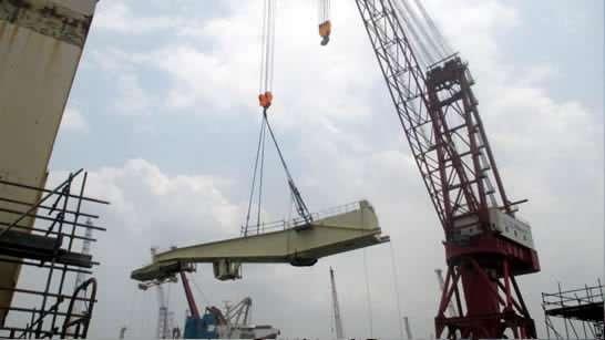decommissioning of a Liebherr gantry crane