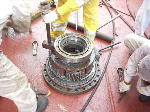 Emergency repairs to Norlift crane