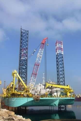 commissioning of 210-ton Searex Omnilift crane