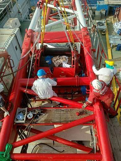 Offshore crane overhaul