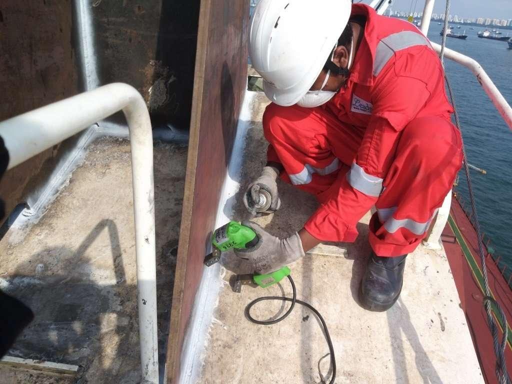 Repair of top steel sheaves