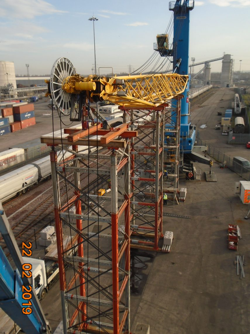 Welding Repairs on Liebherr LHM 320 at Port of Tyne