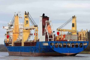 Project-Cargo-Vessel-with-2x-400T-NMF-Cranes reduced size