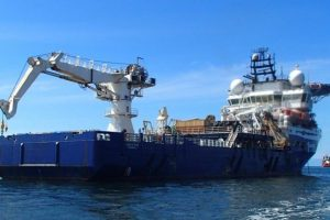 Diving Support Vessel With AHC Crane